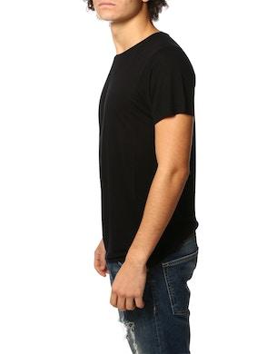 Black roundneck tshirt