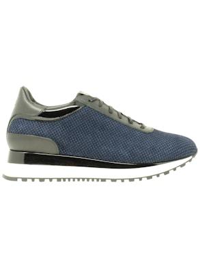 Sneakers microdesign allacciate fondo bianco