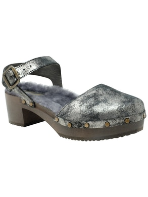 Anthracite clogs