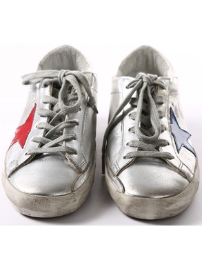 Silver sneakers blue/red star