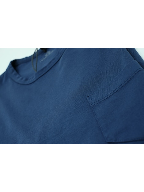 Blue t-shirt with pocket